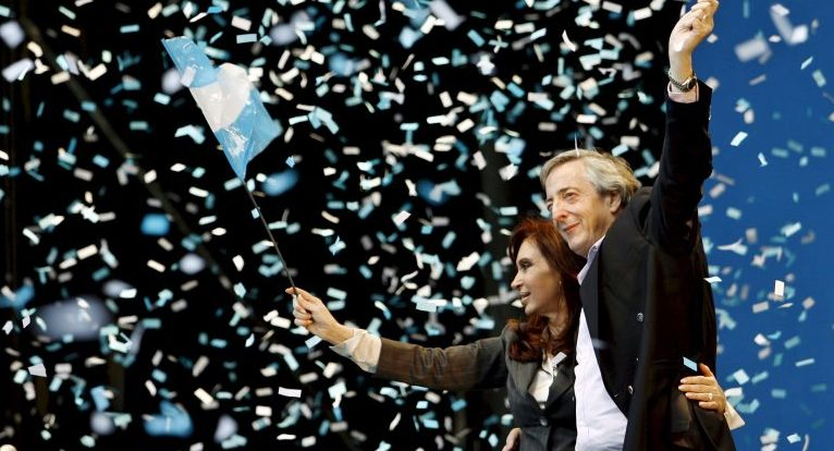 CFK escribe sobre la vuelta al FMI