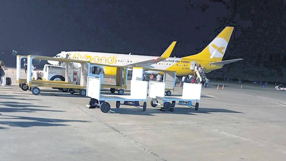 Una llovizna paralizó al aeropuerto low cost
