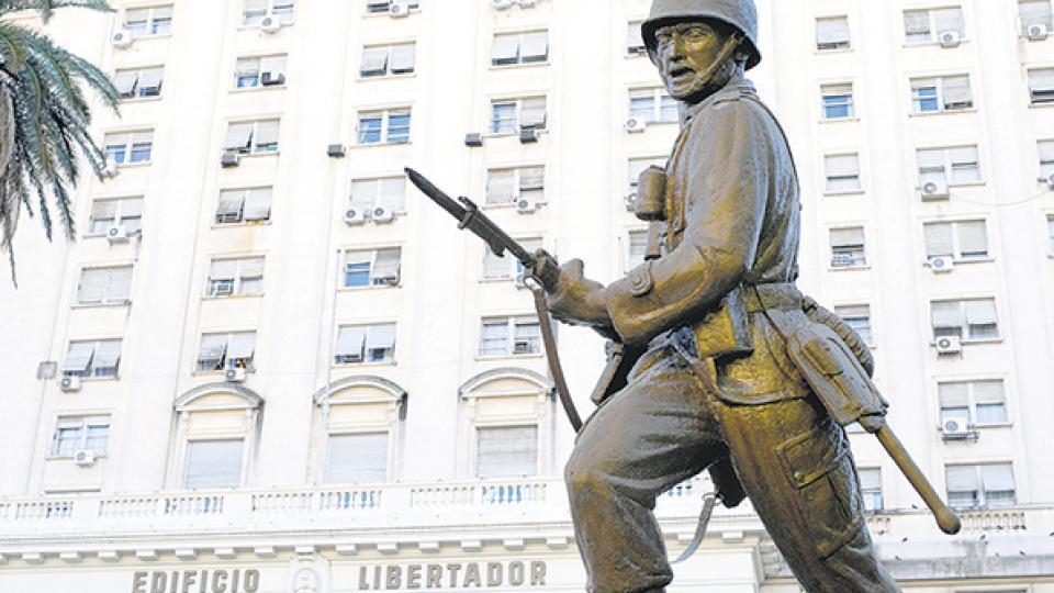 No a los militares en la calle