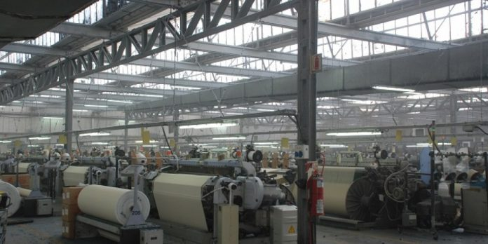 16 despidos y 80 suspensiones: el freno en la industria textil sigue pegando