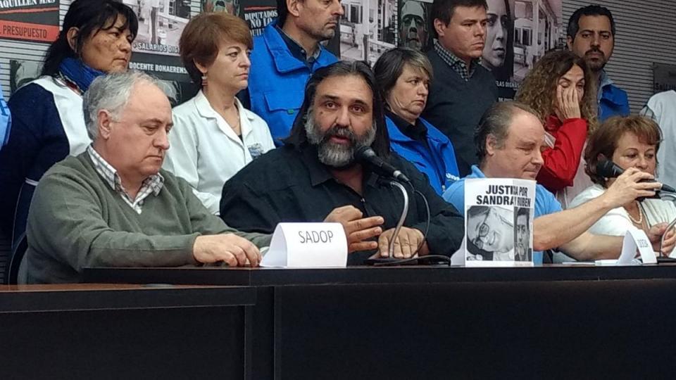 Docentes bonaerenses: anuncian paro de 48 horas contra el decreto de Vidal