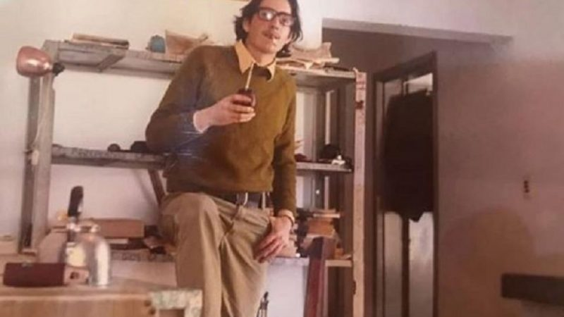 """El mensaje de Florencia Kirchner para su padre: """"Te extraño como se extraña a través de la década"""""""