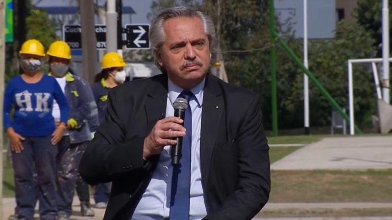 """Alberto Fernández dijo que """"por odio"""" Mauricio Macri no terminó viviendas que había empezado Cristina Kirchner"""