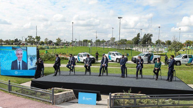 El Presidente lanzó el programa de seguridad para la construcción de 4.000 paradas de colectivos