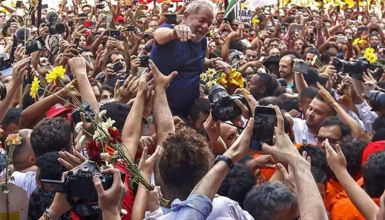 Elecciones Brasil 2022: Lula anunció que será candidato a presidente para enfrentar a Bolsonaro