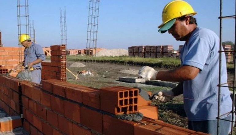 """""""A Construir"""": en qué consiste el programa para convertir planes sociales en empleo"""
